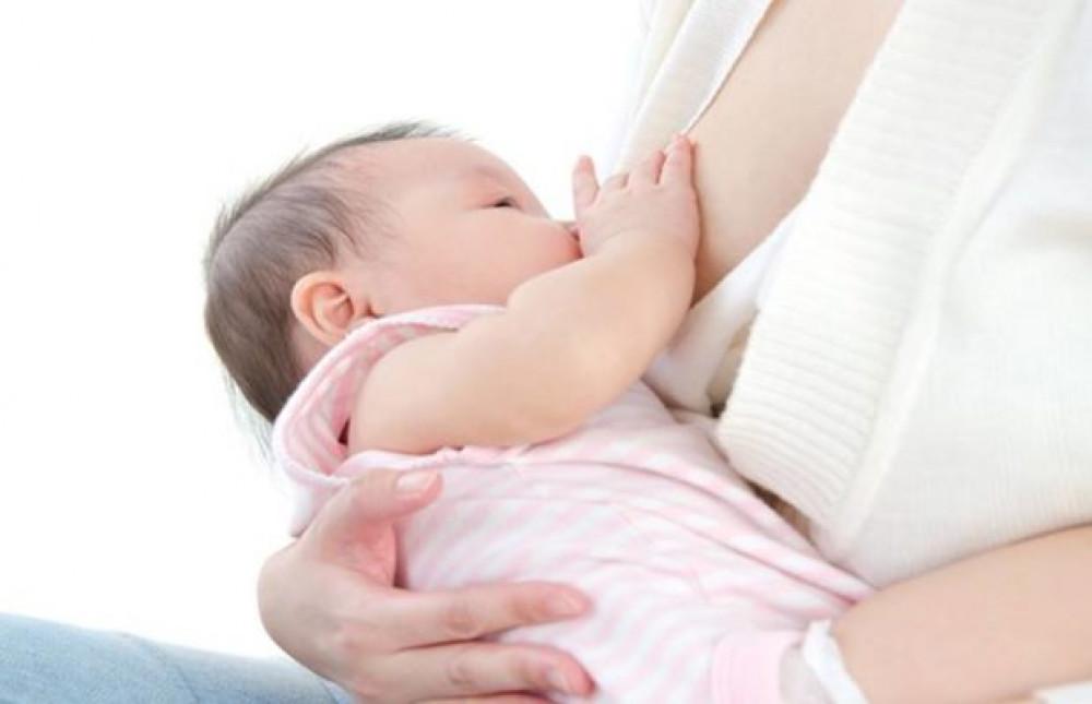 छ महिनासम्म शिशुलाई अनिवार्य आमाको दूध खुवाउनुपर्ने