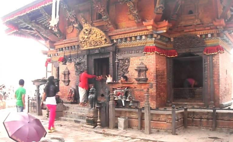 इचङ्गुनारायण मन्दिरबाट आज बिहान राधाकृष्णका चार मूर्ति चोरी